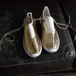 Shoes - Gold glitter shoes